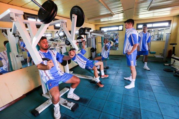 El equipo dirigido por iv n palacios se entrena en el for Gimnasio mejorada del campo