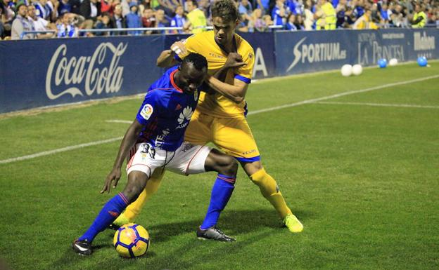 El Real Oviedo sigue sin reaccionar