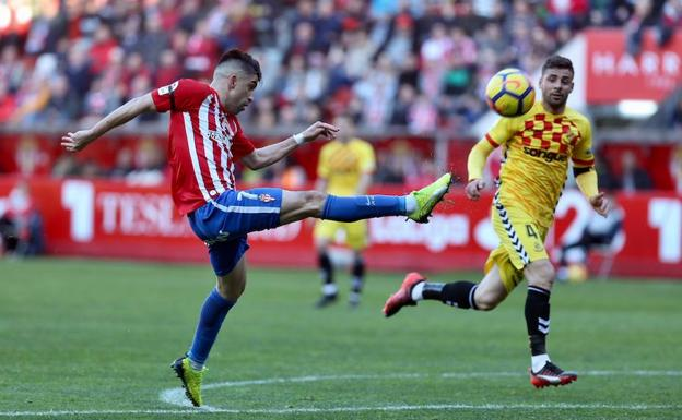 El Sporting, intratable en El Molinón (2- 0)