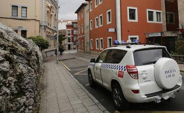 Absuelto el policía local llanisco a quien el inspector jefe acusó de amenazas