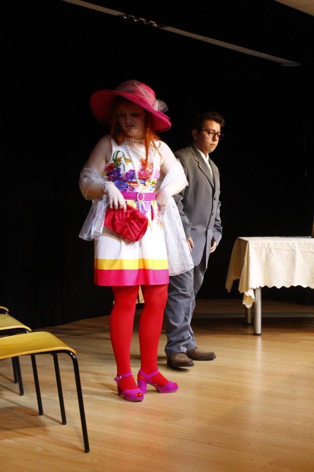 Lujoso La Actuación Reanuda Las Muestras Friso - Colección De ...