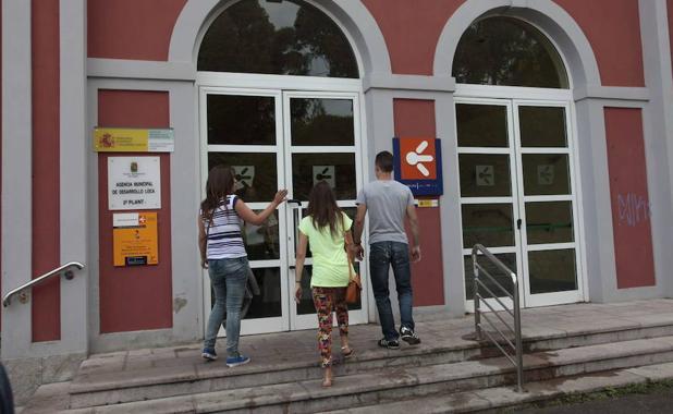 Asturias reduce el paro y crea empleo en el segundo - Oficina de empleo asturias ...