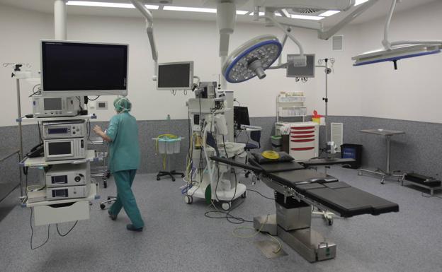 Médicos y sindicatos ven «insuficientes» las medidas para recortar la lista de espera