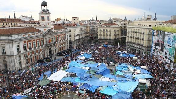 El movimiento 15-M tendrá su placa conmemorativa en la Puerta del Sol | El  Comercio