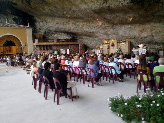 Los Piloneses Abarrotan Las Misas Del Novenario De La Virgen De La